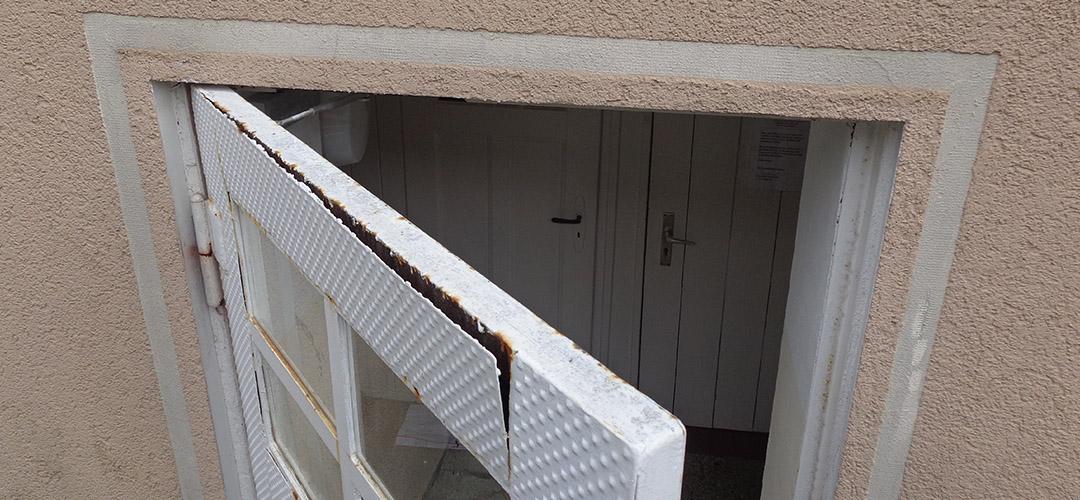Kleinreparaturen (Beispiel Kellertür)