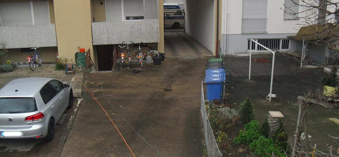 Reinigung befestigter Flächen im Außenbereich